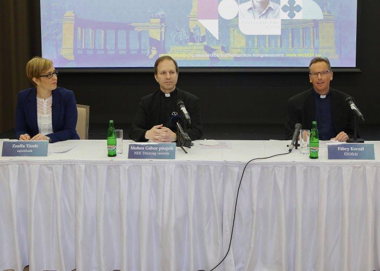 Budapestre várják Ferenc pápát és öt kontinens zarándokait